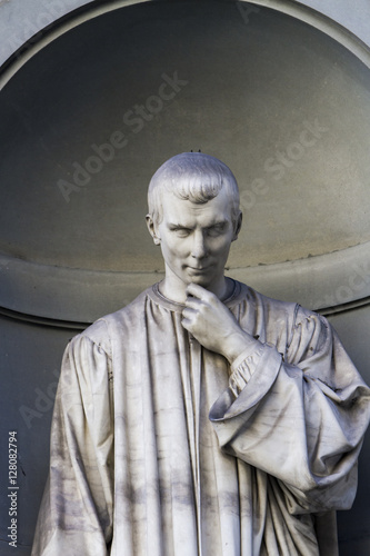 Foto op Canvas Florence Niccolo Machiavelli statue in Florence