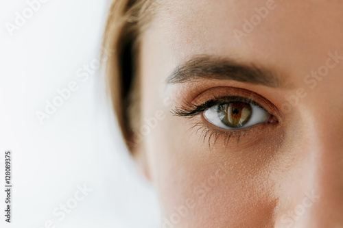 Juliste Closeup Of Beautiful Girl Eye And Eyebrow With Natural Makeup