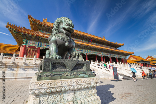 Fotobehang Peking Chinese guardian lion, Forbidden City, Beijing, China