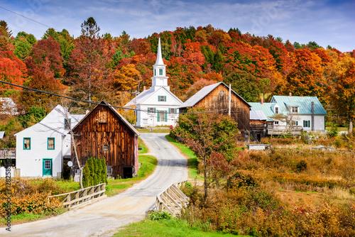 Fotobehang Herfst Rural Vermont, USA autumn foliage.