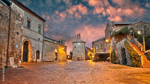 Deurstickers Toscane Sovana, Grosseto, Tuscany, Italy: old town t dawn