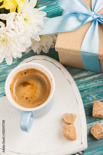 Poster Blue mug of black coffee