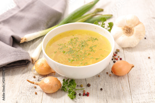 Poszter broth with ingredient