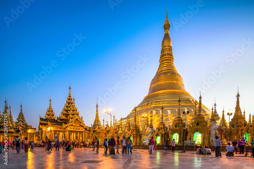 Poster Swedagon Pagode in Yangon Myanmar