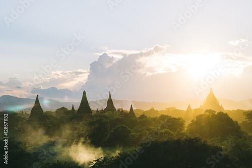 Poster Sunrise over beautiful Pagodas and temples in Bagan, Myanmar