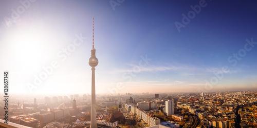 Poster Über den Dächern von Berlin, Fernsehturm, Rotes Rathaus, Berliner Dom