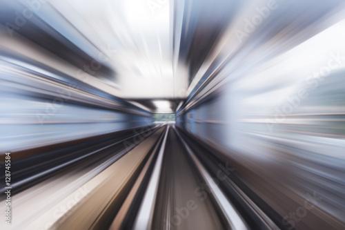 In de dag Speed motion in urban highway road tunnel