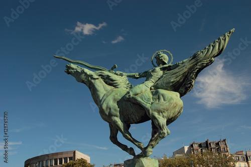 Poster Paris, monument de la France renaissante du sculpteur danois Holger Wederkinch,