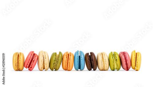 Keuken foto achterwand Macarons bunte frische Macarons, isoliert