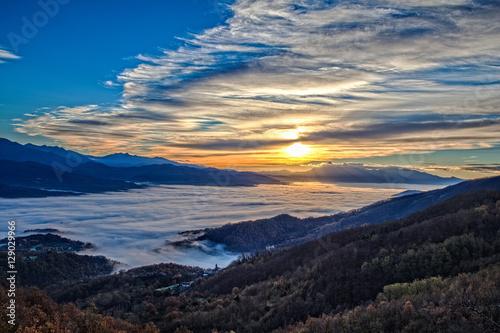 Valokuva Sunrise on the fog