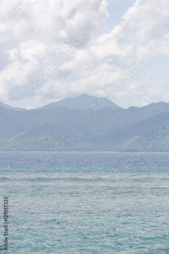 Beautiful sandy beach - 129057323