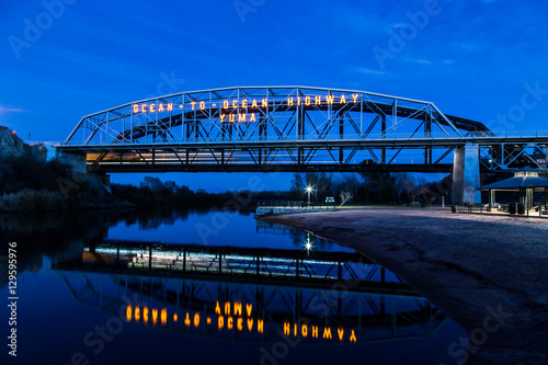Papiers peints Arizona Ocean to Ocean bridge blue with reflection