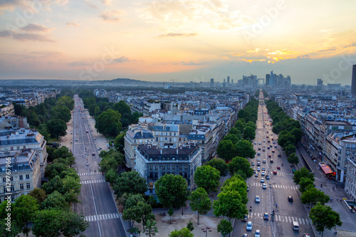 Paris skyline Photo by dade72