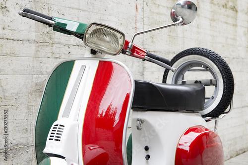 Fotobehang Scooter Motorino italiano d'epoca