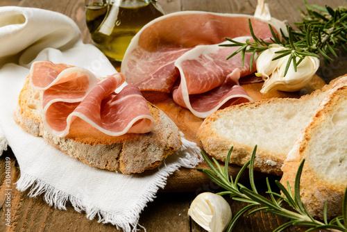 Poster Prosciutto crudo e pane a fette