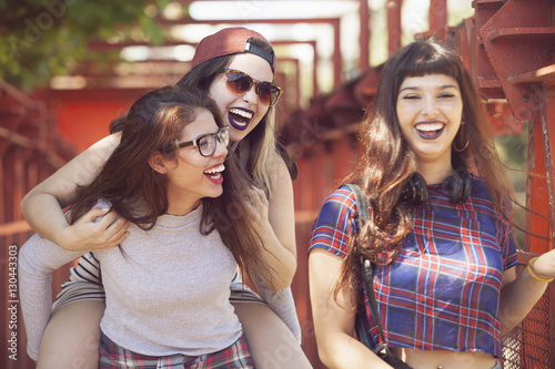 Aluminium Buenos Aires Group of female teen friends having fun outdoors