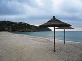 Krajobraz Morski - plaża i parasole (Wyspa Thassos)
