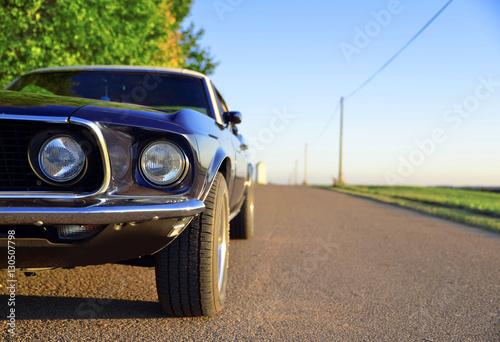 Ford Mustang OIdtimer Hintergrund Plakát