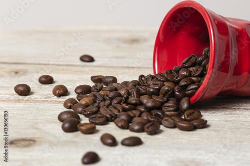 Poster Koffiebonen Tazza con chicchi di caffè