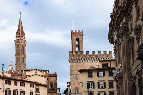 Papiers peints Florence towers Badia Fiorentina and bargello over houses