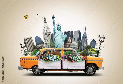 Foto op Plexiglas New York TAXI USA, classic yellow Тew York taxi and landmarks