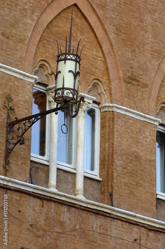 Zdjęcia Siena - Piazza del Campo and Palazzo Sansedoni, Tuscany, Italy.