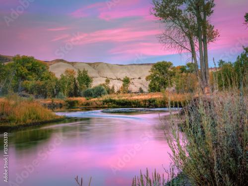 In de dag Purper Truckee River