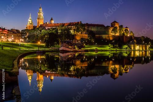 Foto op Canvas Krakau Wieczorne odbicie Wawelu w Wiśle