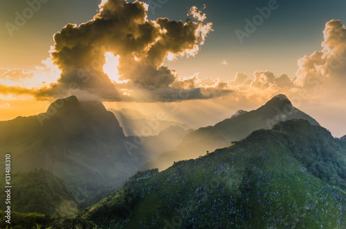 Papiers peints Morning Glory Raylight sunset Landscape at Doi Luang Chiang Dao, High mountain