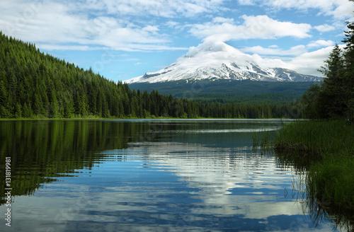 Poster Landschappen The Mount Hood reflection in Trillium Lake