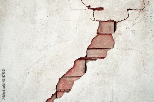 Tuinposter Baksteen muur Durchbruch