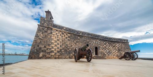 Fotobehang Canarische Eilanden Castillo de San Gabriel in Arrecife, Lanzarote, Canary Islands