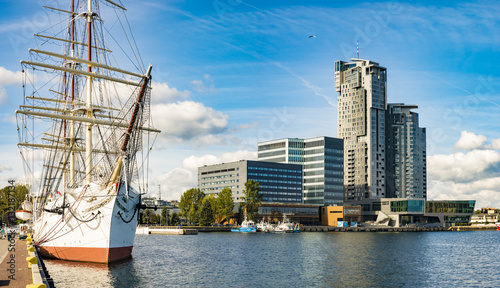 Fototapety, obrazy : Gdynia, Poland-September 2016, a skyscraper in the port of Gdynia