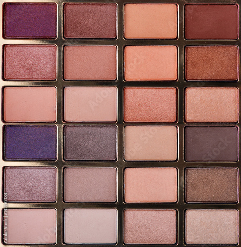 Poszter group of twenty four eye shadow powders