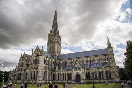 Poster Salisbury Cathedral view and park around it