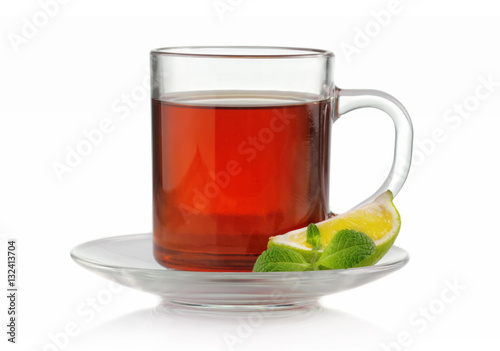 Papiers peints The Tea cup with fresh mint and lime isolated