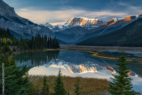 Fotografiet Icefields Parkway Sunrise