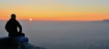 Bulutlar Üzerinde Güneşi İzlemek - 132532771