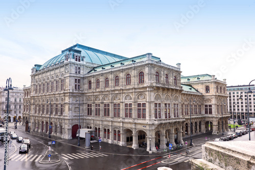 Poster Photo view on vienna opera state house, austria