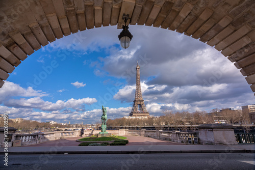 Poster Eiffel tower view from Bir Hakeim bridge, Paris, France