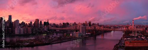 Foto op Aluminium New York East River at sunset