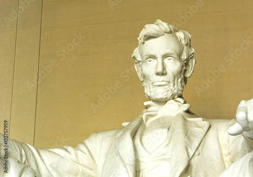 Statue of Abraham Lincoln at the Lincoln Memorial Washington DC USA плакат