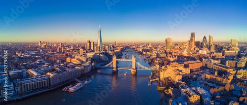 Widok z lotu ptaka na Londyn i Tamizę