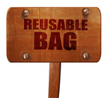 reusable bag, 3D rendering, text on wooden sign