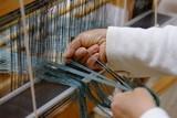 機織り作業 / 私達の仕事は機織業です。