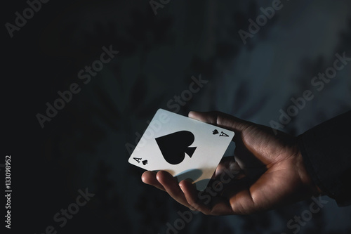Plakat Ace Spade Card in Hand, Low-key lighting