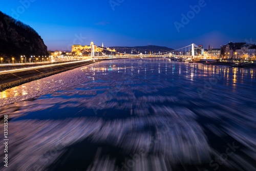 Poster Ice flowing on river Danube in Budapest, Hungary