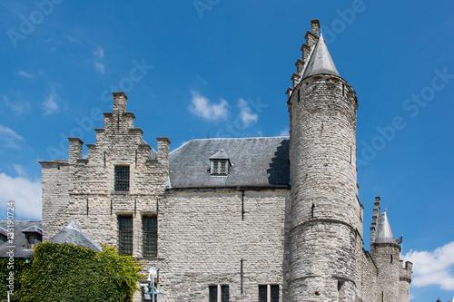 Fotobehang Antwerpen Burg Steen am Scheldeufer in Antwerpen