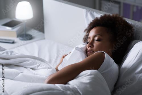 Plagát Woman sleeping in her bed