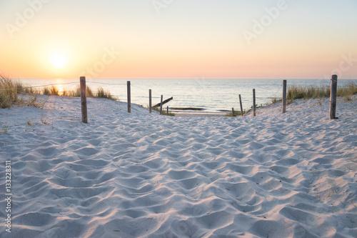 Sonnenuntergang an der Ostsee - 133228311